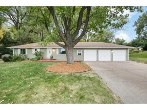 1515 Woodhill Road Burnsville, Mn 55337