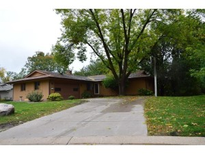 10205 Toledo Circle Bloomington, Mn 55437