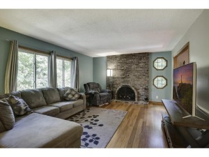 3301 Red Oak Circle S Burnsville, Mn 55337