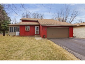 1050 Eastview Circle Shakopee, Mn 55379