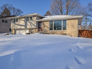 3241 Welcome Avenue N Crystal, Mn 55422