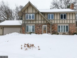 403 E 135th Street Burnsville, Mn 55337