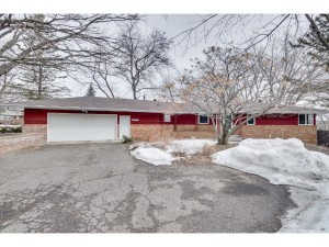 930 Angelo Drive Golden Valley, Mn 55422