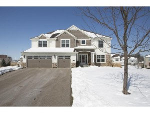 2109 Rockridge Circle Shakopee, Mn 55379