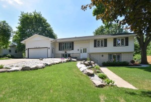 5615 Phoenix Street Golden Valley, Mn 55422