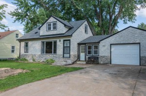 52 East Road Circle Pines, Mn 55014