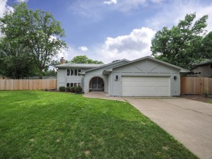 1401 Louisiana Avenue N Golden Valley, Mn 55427
