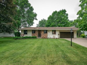 824 Mcintosh Drive Apple Valley, Mn 55124