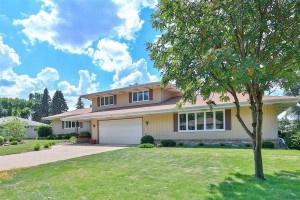 2030 County Road D W Roseville, Mn 55112