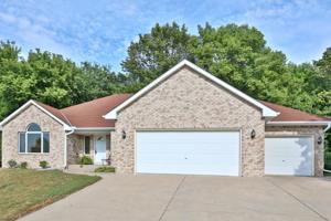 1319 Ravenwood Drive Waconia, Mn 55387