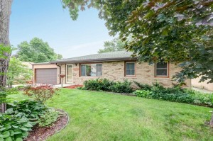 4324 Hampshire Avenue N Crystal, Mn 55428