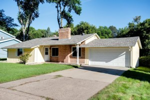 1053 Brooks Avenue W Roseville, Mn 55113