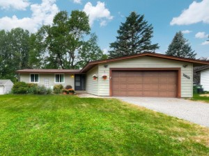 8141 Russell Avenue N Brooklyn Park, Mn 55444