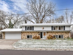 6431 Phoenix Street Golden Valley, Mn 55427