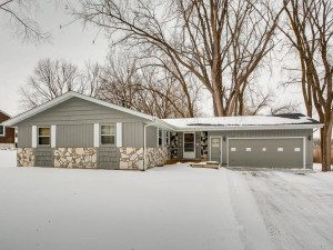 5570 Kentley Avenue Golden Valley, Mn 55422