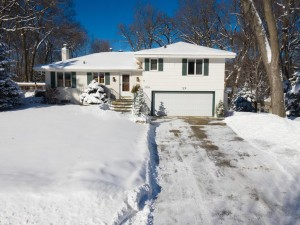 4044 Thrushwood Lane Minnetonka, Mn 55345