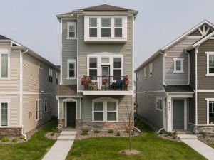 8168 Central Park Way N Maple Grove, Mn 55369