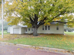 301 E 2nd Street Sherburn, Mn 56171