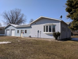 921 Jackson Avenue N Unit 1 Saint James, Mn 56081