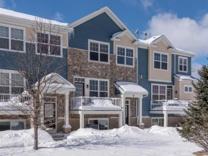 1842 Colonial Lane Unit 5 Chanhassen, Mn 55317