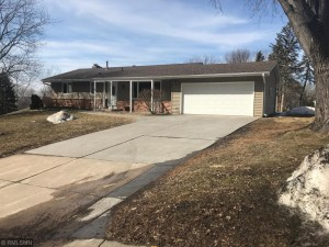 1904 Sioux Court Burnsville, Mn 55337