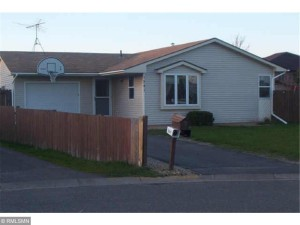1341  Carriage Hills Drive S Cambridge, Mn 55008