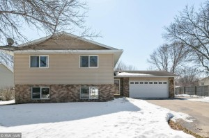 5749 W 137th Street Savage, Mn 55378