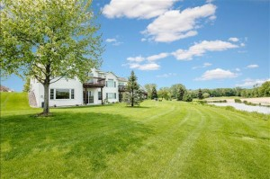 16085 Crystal Hills Drive Lakeville, Mn 55044