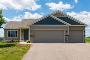 815 Fox Court Norwood Young America, Mn 55397
