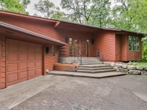 12100 Golden Acre Drive Minnetonka, Mn 55305
