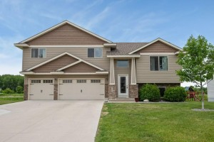 1635 Pinecone Lane Mayer, Mn 55360