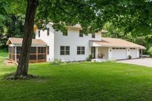 3632 Elmwood Place Minnetonka, Mn 55345