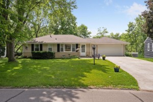 11813 Crawford Road W Minnetonka, Mn 55343