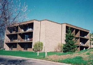 5643 Green Circle Drive Unit 106 Minnetonka, Mn 55343