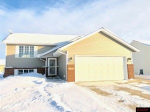 201 Grovebrook Mankato, Mn 56001