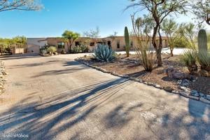 2460 N Calle De Maurer Tucson, Az 85749