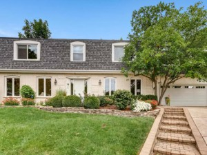 3651 Red Bud Court Downers Grove, Il 60515