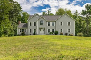 73 Old Town Farm Road Exeter, Nh 03833