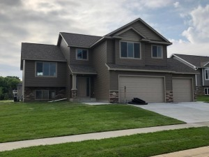 4560 Buckingham Drive Nw Rochester, Mn 55901