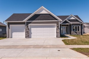 6385 Fairway Drive Nw Rochester, Mn 55901