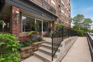 301 Oak Grove Street Unit 402 Minneapolis, Mn 55403
