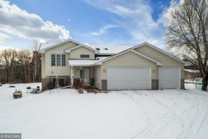 24764 Creek View Court Nw Isanti, Mn 55040