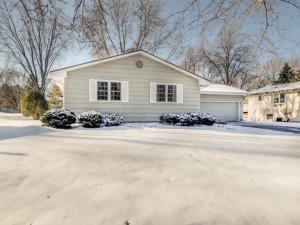 9915 37th Place N Plymouth, Mn 55441