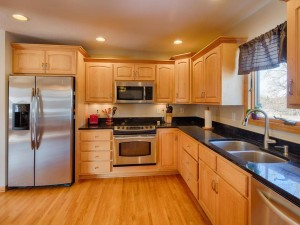 2301 Standridge Avenue Maplewood, Mn 55109