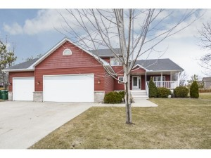 19823 Iteri Place Lakeville, Mn 55044
