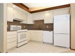 8009 Edgewood Avenue N Brooklyn Park, Mn 55445