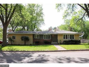 1445 Winthrop Street N Saint Paul, Mn 55119