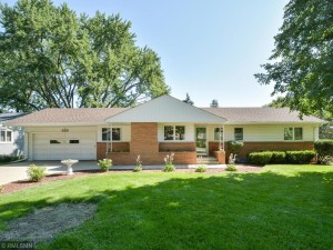 323 Campbell Drive Hopkins, Mn 55343