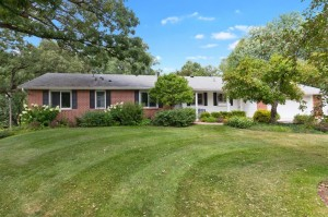9734 Russell Circle S Bloomington, Mn 55431