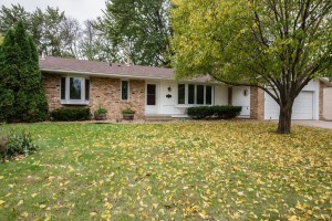1082 Lowell Drive Apple Valley, Mn 55124